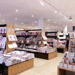 「マミーマート」、ショッピングモールに「TSUTAYA」などいろいろ揃っています。
